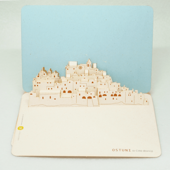 Cartolina pop-up Skyline di Ostuni pxcedizioni.it