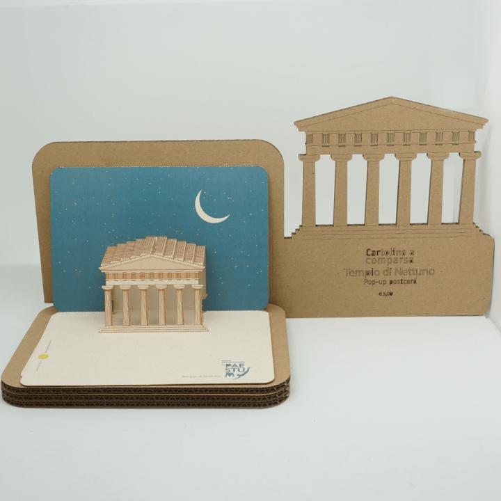 Cartolina a comparsa di Paestum PxC Edizioni Editoria Made in Puglia