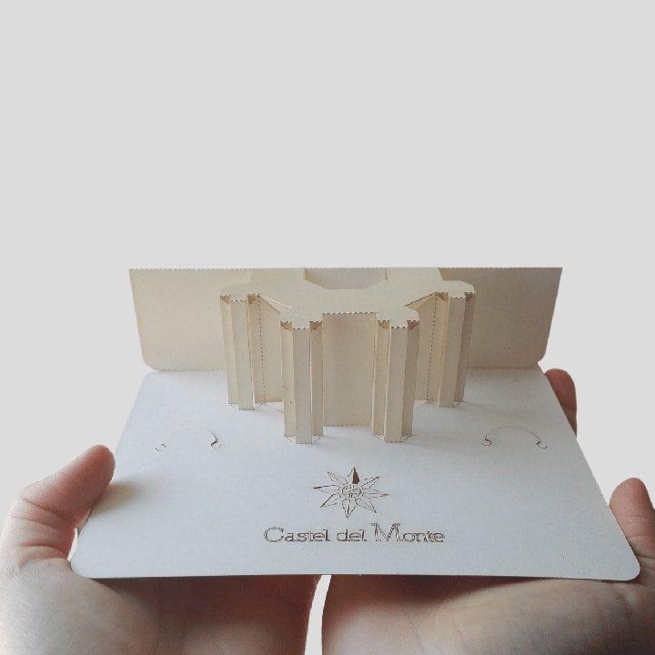 Cartolina pop-up Castel del Monte PxC Edizioni Editoria Made in Puglia