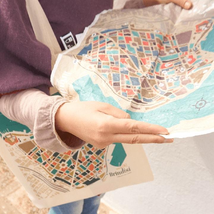 Mappa impermeabile Centro Storico di Brindisi PxC Edizioni Editoria Made in Puglia