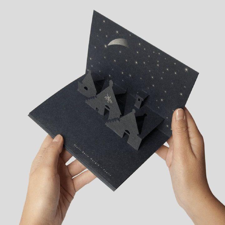 Cartolina a comparsa dei Trulli della Murgia - biglietto di Natale PxC Edizioni Editoria Made in Puglia